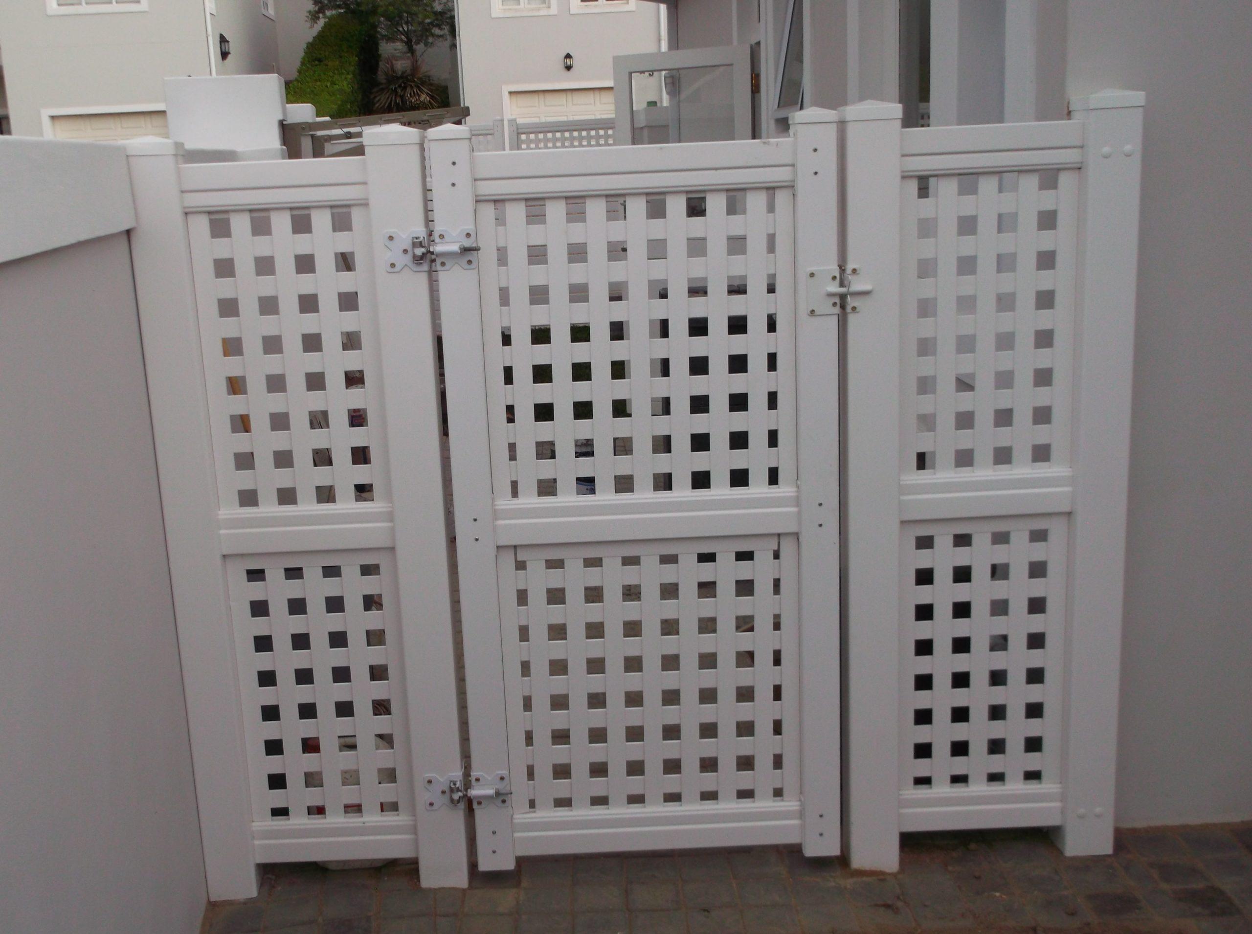 11Lattice Gate