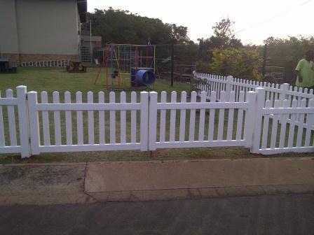 9Picket Gate